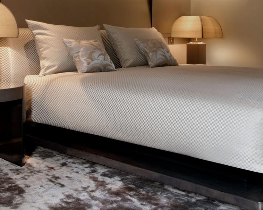 Lua de mel sofisticada e elegante no Armani Hotel Milano: O conceito Armani de bem receber inclui tratamentos de Spa para o casal, jantar especial no Armani Ristorante com linda vista para o Duomo e muito mais!